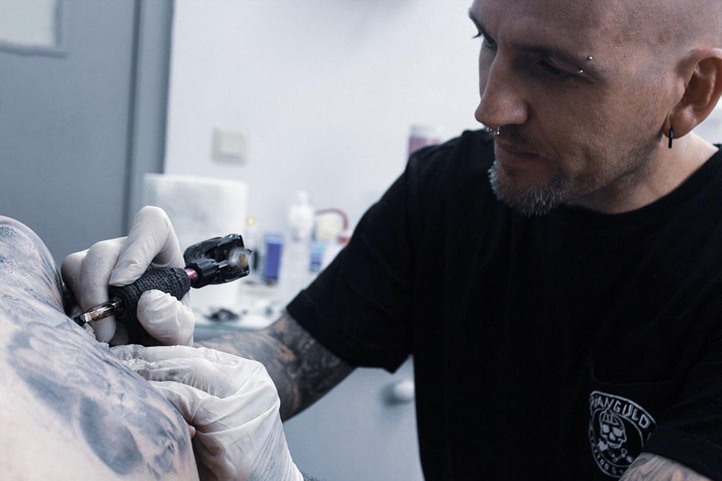 tatuajes-triangulo-tomas-extremadura
